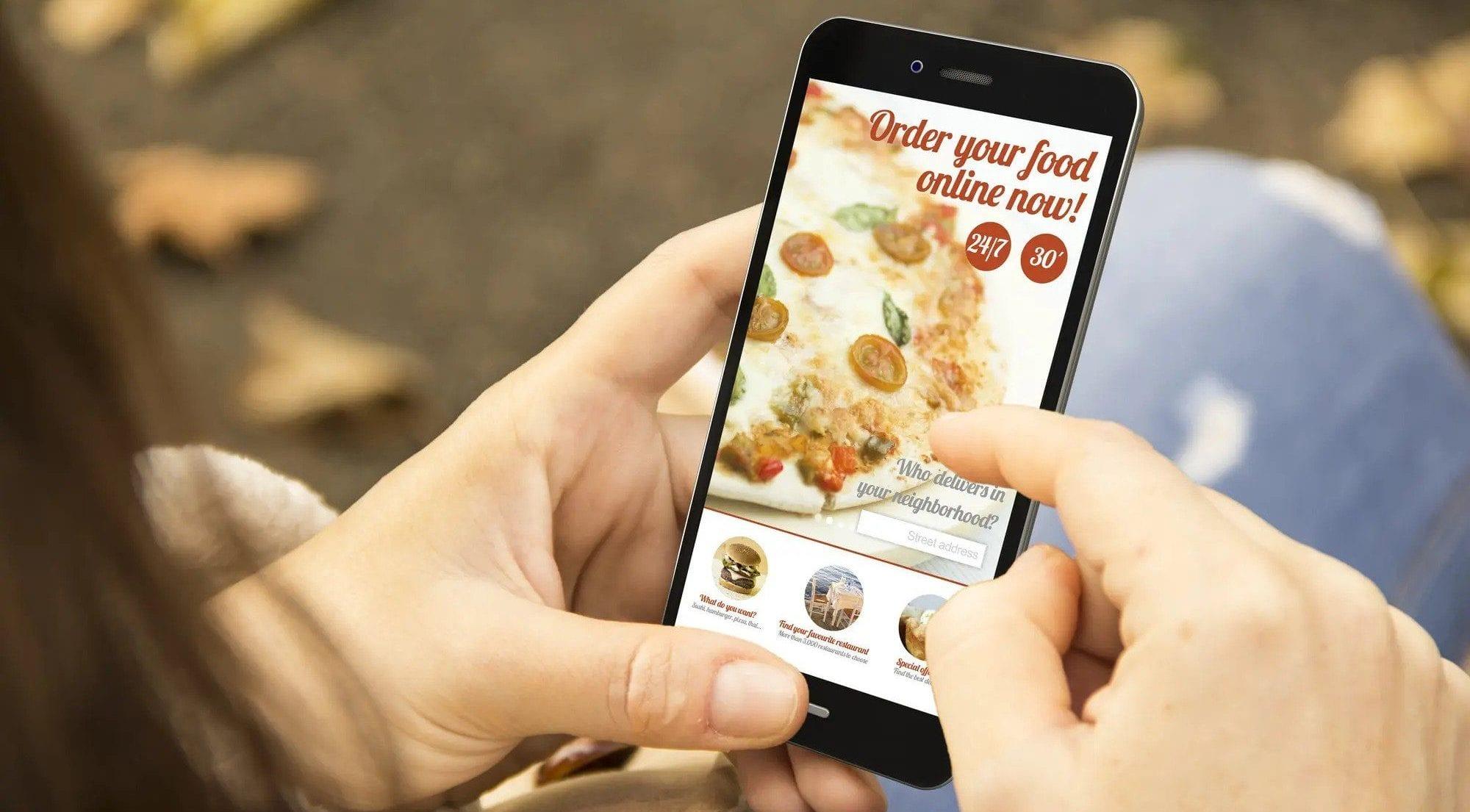 5 BENEFITS OF ORDERING FOOD ONLINE